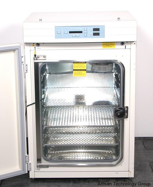 Thermo / Forma Scientific 3110 Series I Dual Stacked CO2 Water Jacketed Incubator