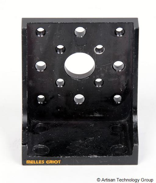 Melles Griot 90 Degree, Closed Corner Angle Bracket