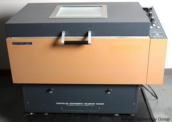 Eppendorf / New Brunswick Scientific G-25 Incubator Shaker