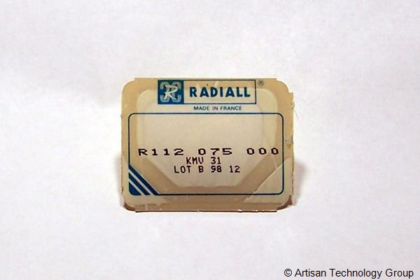 Radiall R112 075 000 Gold, Crimp, Straight Plug Subminiature Coaxial Connector