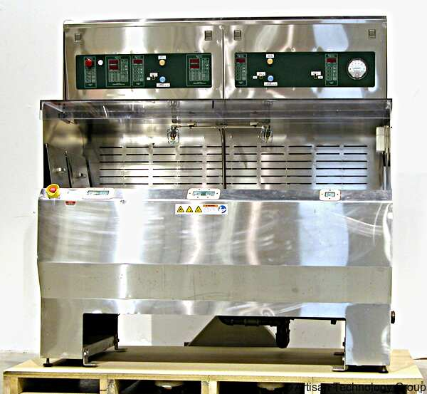 Universal Systems / Trio-Tech Stainless Steel Wet Process Station